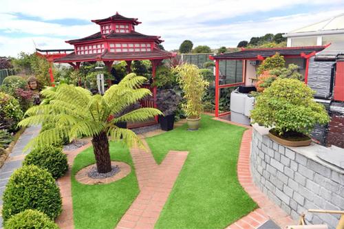 Chủ nhà Anh chi hết tiền tiết kiệm để làm vườn kiểu Nhật