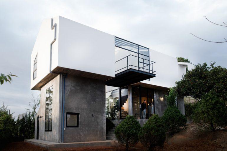 Ngôi nhà tách đôi giữa vườn cây yên tĩnh ở Đà Lạt